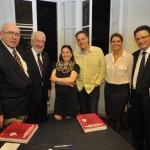 O autor com Darci Piana, Maria Sandra Gonçalves (diretora de Redação da Gazeta do Povo) e o marido Edward Schmidz; Karina e Raul Anselmi Junior
