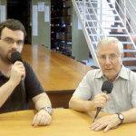 Caio Alberto Martins (E) e padre Jaime Sánchez Bosch