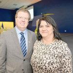 O presidente do Complexo de Ensino Superior do Brasil, Clèmerson Merlin Clève, com a pró-reitora de Graduação, Lilian Pereira Ferrari