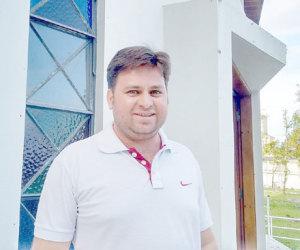 Padre Edilei Rosa Silva