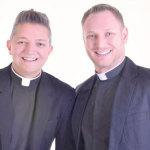 A dupla de padres cantores