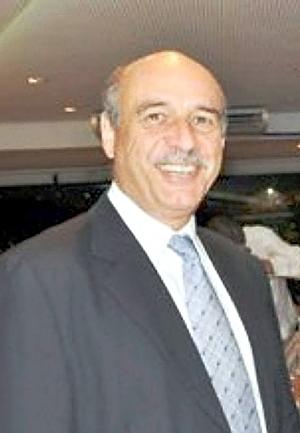 """O advogado Luiz Fernando de Queiroz, autor do livro """"Condomínio em Foco"""""""