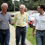 Jorge Karl, presidente da Cooperativa Agrária, Entre Rios, Guarapuava; deputdo federal Reinhold Stephanes e o pré-candidato ao governo do estado Ratinho Jr.