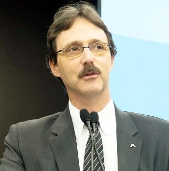 Marcos Stamm: administração eficiente